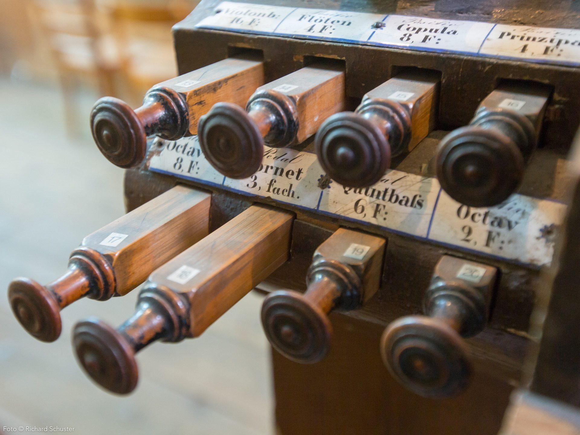 Minoriten Kirchenorgel Registerzüge